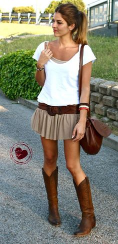 cute short sundress with cowboy boots | PPI - Pecuária 2013 part II