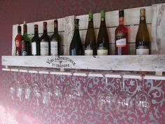 ***weißes+Weinregal+aus+alter+Industriepalette***+von+La+Maison+auf+DaWanda.com