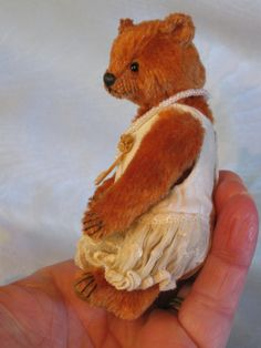 Sissy 4 Inches - The Old Post Office Bears