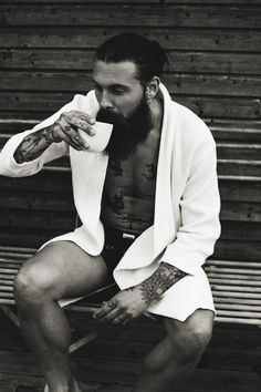 drink coffee naked