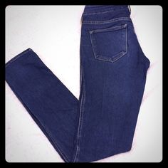 💕💝💚Blue skinny jeans💕💝💚 It's a pair of jeans with size 25 Jeans