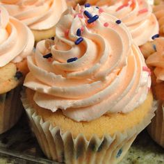 Bubble Gum Cupcakes Bubble Gum Cupcakes, Days Cafe, Cheesecakes, Yummy Treats, Homemade, Baking, Desserts, Food, Tailgate Desserts