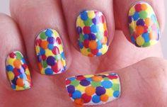 Diseños de uñas con puntos o lunares, diseño de uñas con puntos grandes de colores.   #diseñatusuñas #unhas #uñasdemoda