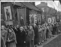 The Mother's Union of St Paul's, Middlesbrough, on a 'Lady Day' parade in 1955