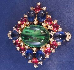 Vintage-Signed-JOMAZ-Green-Blue-Red-Rhinestone-Brooch-Pin