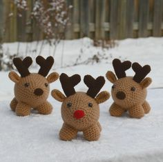 These reindeer friends will warm your heart for the holidays! Riley the Reindeer and Friends Crochet Pattern by Softiez