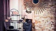 GLAMOUR 💝 En Santa Marta, nuestros zapatos, bolsos y complementos para tus eventos respiran glamour por los cuatro costados. #bedifferent #beelegant  #newcollection by Carlos Espejo #spring #glam #esportada #estendencia #shoes #bags #style #zapateria #santamarta #lleida
