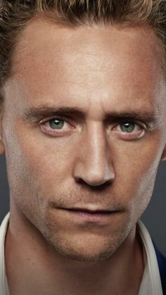 Tom Hiddleston, The Night Manager, extreme closeup. Extremely painful.