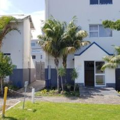 This mixed use commercial office building is located in the secure grounds of Life Hospital in Southernwood, East London. Building contains16 rooms and is in prime position! Commercial Office Space, East London, Pergola, Rooms, Outdoor Structures, Building, Outdoor Decor, House, Life