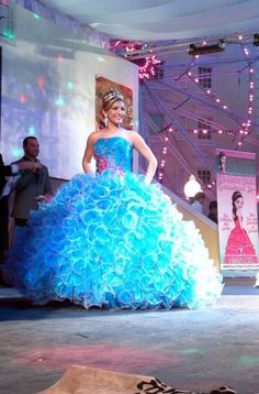 Blue dress quinceanera expos