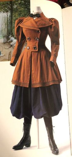 Lady's bicycling costume, the inspiration for the Rational Dress Movement, the idea that women should not be so smothered in clothes that they can't move 1890s Fashion, Edwardian Fashion, Vintage Fashion, Edwardian Era, Historical Costume, Historical Clothing, Historical Dress, Vintage Dresses, Vintage Outfits