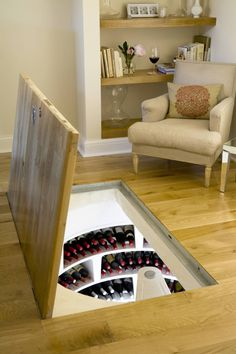 Spiral Cellars の カントリーな ワインセラー Spiral Cellar with Recessed Trap Door