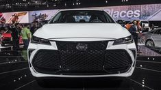 the New 2019 Toyota Avalon LIVE from Detroit! Schaumburg Toyota, Toyota Avalon, Black Accents, Detroit, Piano, Wheels, Live, Car, Automobile