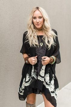 La Playa Embroidered Kimono - Black