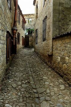 Fotoğraf Stone Houses, Istanbul Turkey, Traditional House, Amazing, Beautiful Places, Places To Visit, Asia, Country, Architecture