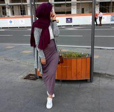 Pencil skirt with cardigan-latest casual winter tops for girls – just trendy girls Modern Hijab Fashion, Islamic Fashion, Muslim Fashion, Modest Fashion, Fashion Outfits, Emo Fashion, Casual Hijab Outfit, Hijab Chic, Winter Tops For Girl
