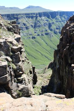 Hiking around Sani Top Lesotho: The country in Africa you probably haven't heard of via The World on my Necklace Beautiful World, Hello Beautiful, Africa Travel, Continents, Where To Go, South Africa, African Men, Vacation, Caves