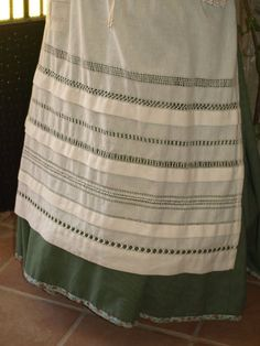 Delantal con vainicas Rag Quilt, Folk Costume, Vintage Sewing, How To Wear, Dresses, Regional, Fashion, Traditional Dresses, Shandy