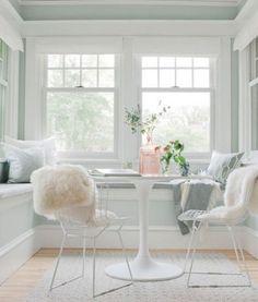 Modern Breakfast Nooks #breakfastnook #eatinkitchen #nook #kitchen #interiordesign #bungalow #inspiration #modernhome