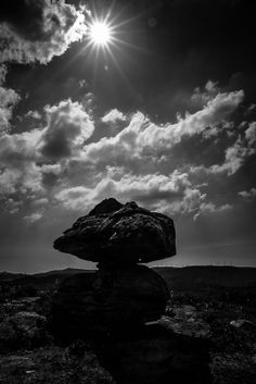 Pedra cabalgada dumbria coruña galicia spain