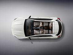 Der Mercedes-Benz GLA startet auch als Edition Zur Markteinführung im März 2014 des Mercedes-Benz GLA 1, den kompakten SUV der Traditionsmarke, wird es auch die exklusive Variante Edition 1 geben. Sie kann ab Ende November bei uns bestellt werden und ist rund ein Jahr lang ab Markteinführung erhältlich.
