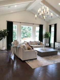 Modern Home Trends Im Loving 2019 Modern Living Room with Vaulted Ceilings The post Modern Home Trends Im Loving 2019 appeared first on Curtains Diy. Contemporary Living Room Furniture, Living Room Modern, My Living Room, Interior Design Living Room, Living Room Designs, Contemporary Curtains, Contemporary Design, Vaulted Living Rooms, Curtains Living