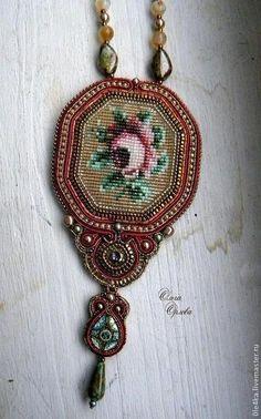 Розочка - золотой,кулон с розой,сутажные украшения,ольга орлова,кристаллы сваровски (swarovski)