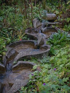 Why You Should Invest In Simple Water Features For Your Home Garden – Pool Landscape Ideas Garden Pool, Garden Bridge, Water Art, Water Flow, Flow Forming, Earth Homes, Pool Landscaping, Water Features, Pond