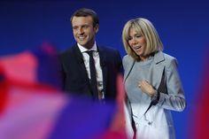 В выходные во Франции в первом туре президентских выборов победил 39-летний Эммануэль Макрон. Он женат на 63-летней учительнице, в которую влюбился еще в школе (это стало поводом для пересудов одних избирателей и предметом восхищения других). Чем интересна потенциальная первая леди Франции и почему она имеет все шансы стать самой необычной женщиной на этом «посту», рассказываем в материале.