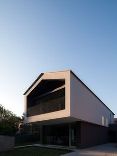 Gallery of Turned House / MZC Plus - 1