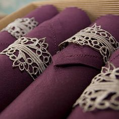 diy napkin holders. just tie lace!
