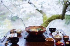 Chef Ichiro Kubota offers contemporary Kaiseki cuisine which is respectful of Kyoto's culinary traditions. Read More -> http://www.hoshinoresorts-magazine.com/?p=556&lang=en