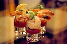 shrimp cocktail Hors d'Oeuvres Displays | Cocktail Shrimp Shooter