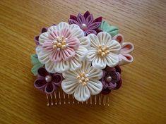 そらみどう さんに、つまみ細工を17点納品いたしました。     これまで、小ぶりのコームは度々納品していたのですが、 こちらのサイズのコ... Ribbon Art, Diy Ribbon, Fabric Ribbon, Cloth Flowers, Faux Flowers, Fabric Flowers, Japanese Flowers, Kanzashi Flowers, Hair Decorations