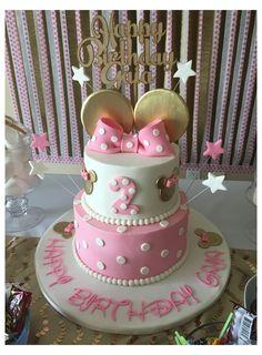 Minni Mouse Cake, Bolo Da Minnie Mouse, Minnie Mouse Birthday Cakes, Minnie Mouse Party, Mouse Parties, Minnie Mouse Cake Topper, Minnie Mouse Pink, Minnie Mouse Cake Design, Mickey Mouse Pinata