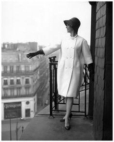 Marie-Hélène Arnaud in white wool coat by Pierre Cardin, photo by Georges Dambier, ELLE, March 3, 1958