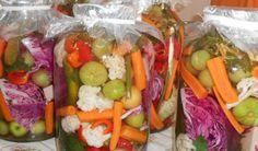 Are Pickles Cucumbers? Pickling Cucumbers, Romanian Food, Nigella, Detox Recipes, Fresh Rolls, Fruit Salad, Celery, Pickles, Sushi