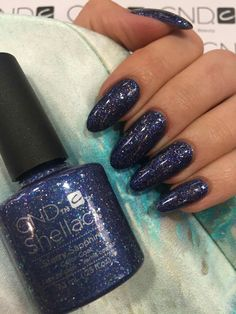 cnd shellac midnight swim layered with starry sapphire cnd shellac pinterest nagelschere. Black Bedroom Furniture Sets. Home Design Ideas