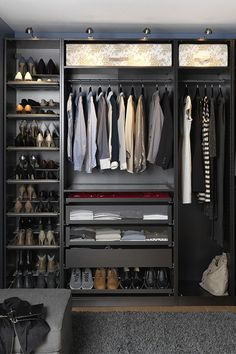 22 Must-See Closet Designs Having an organized closet makes getting ready in the morning so much easier. With the PAX/KOMPLEMENT wardrobe system you can choose frames in finishes to suit your style and customize the organization inside to suit your needs. Walking Closet, Walk In Wardrobe, Bedroom Wardrobe, Capsule Wardrobe, Men's Wardrobe, Bedroom Closets, Black Wardrobe, Bedroom Closet Design, Small Wardrobe