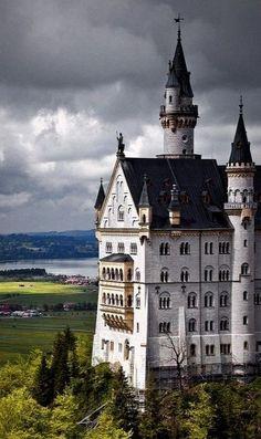 Neuschwanstein Castle, Bavaria, Germany (by mpb11 on Flickr)