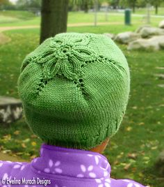 Ravelry: Little Flower Hat pattern by Ewelina Murach, Free Pattern DK (11 wpi) ? 22 stitches and 30 rows = 4 inches in stockinette st US 6 - 4.0 mm US 3 - 3.25 mm 109 - 164 yards (100 - 150 m) Sizes available preemie, 0-3, 6-9, 12-18 months, 2-3 years, 4 years-Adult S