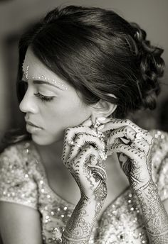 #chuppah #Professionalimage #EventPhotography ~ Henna on the hands