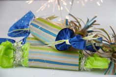 New Year's Crackers New Years Eve Party, Crackers, Gift Wrapping, Tableware, Gifts, Diy, Party Ideas, Decor, Christmas Crack
