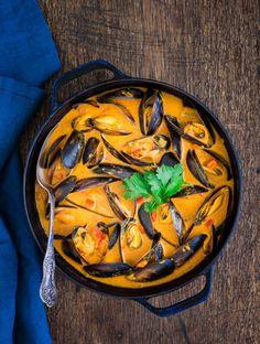 Sieht richtig gut aus und schmeckt noch besser: Tansanisches Muschel-Curry | 18 unglaubliche afrikanische Gerichte, die Du sofort nachkochen willst