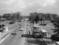 Princess Parkway, Wythenshawe 1960, Manchester. Old Pictures, Old Photos, Vintage Children Photos, Salford, Derbyshire, Filming Locations, History Facts, Eastern Europe, Manchester United