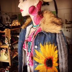 The Sunflower Art on Jeans Sunflower Art, Painted Jeans, Arts And Crafts, Hair Styles, Jackets, Handmade, Clothes, Beauty, Beautiful