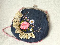 Lovely Denim Bag • recycled fabric, lace, and frame. The pattern and tutorial for making the unadorned bag can be found @ http://www.sonatinca.ru/2014/05/blog-post_14.html#axzz37L4Ak1QB