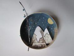 Décoration pour enfant à suspendre boîte ronde en bois - thème montagne sous la…