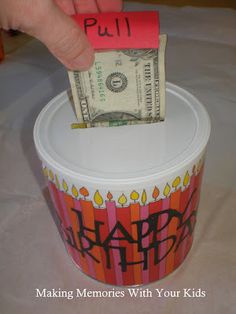 Birthday Money Gift Idea - Making Memories With Your Kids Creative Gifts, Cool Gifts, Unique Gifts, Best Gifts, Craft Gifts, Diy Gifts, Happy Home Fairy, Homemade Gifts, Graduation Gifts