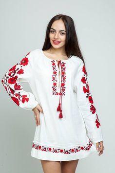 Вишиванка Batik Fashion, Folk Fashion, Ethnic Fashion, Fashion 2017, Girl Fashion, Fashion Outfits, Dressy Dresses, Simple Dresses, Floral Blouse Outfit